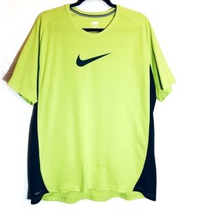 Nike FIT DRY Short Sleeve T-SHIRT Neon Lime XL
